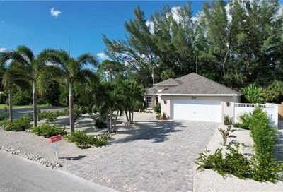 3472 Manatee Dr Other FL 33956