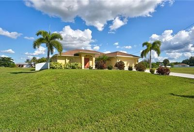 21 SW 22nd Ave Cape Coral FL 33991