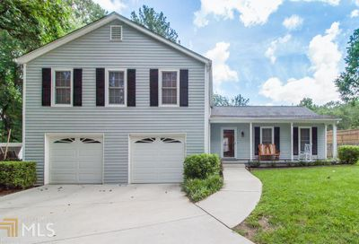 495 Barrington Loop Roswell GA 30076