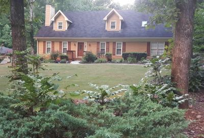 529 Hickory Hills Dr Stone Mountain GA 30083