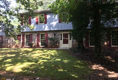 50 Martin Point Ct Roswell GA 30076-2830