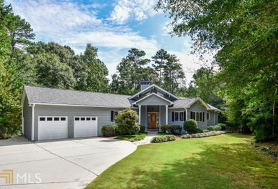 2792 Cliffview Dr SW Lilburn GA 30047