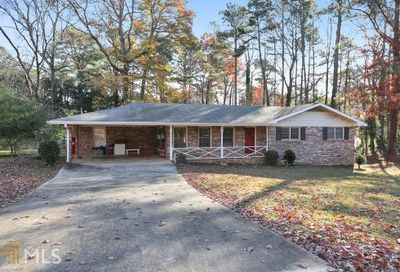 886 Oakhill Ct Stone Mountain GA 30087
