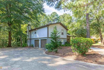 685 SW Chickadee Court Atlanta GA 30311