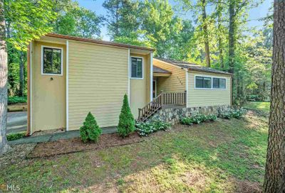 5166 Post Road Stone Mountain GA 30088