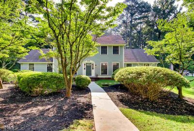 4230 Autumn Hill Dr Stone Mountain GA 30083