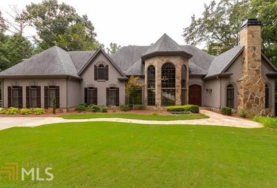 2135 River Cliff Dr Roswell GA 30076-3905