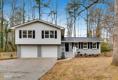 4598 Mountain Creek Dr NE Roswell GA 30075