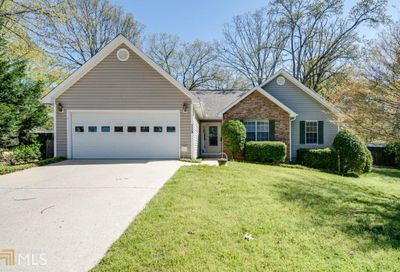 1134 Holly Dr Gainesville GA 30501