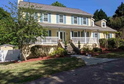 205 Sussex Ct Roswell GA 30075