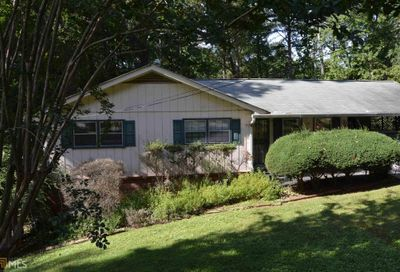 1300 Valley Ct Roswell GA 30075-3709