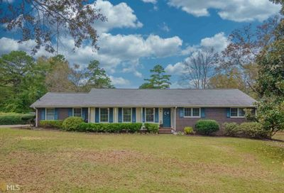51 Holly St Hartwell GA 30643