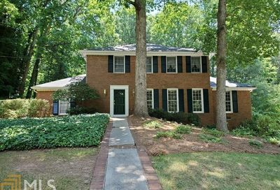 7195 Hunters Branch Drive Sandy Springs GA 30328-1768