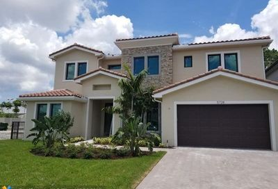 5728 Brookfield Cir Hollywood FL 33312