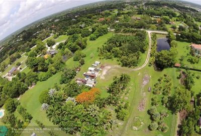 12800 Mustang Trail Southwest Ranches FL 33330