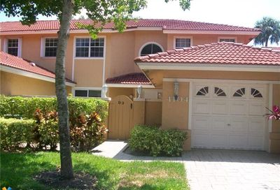 4104 Carriage Dr Pompano Beach FL 33069
