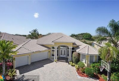 21669 Fall River Dr Boca Raton FL 33428