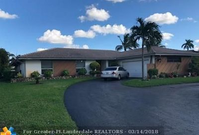 637 NW 100th Ln Coral Springs FL 33071