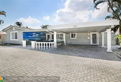 2217 Ne 19th Av Wilton Manors FL 33305