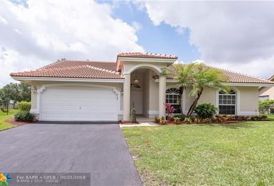 8930 Nw 45th Ct Coral Springs FL 33065