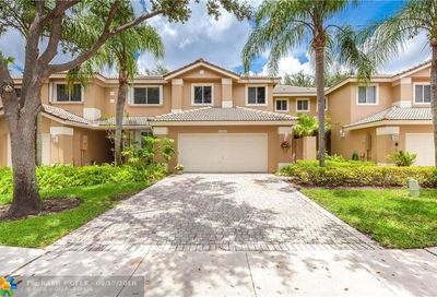 15811 SW 10th St Pembroke Pines FL 33027