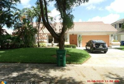 5901 Nw 56th Ct Coral Springs FL 33067