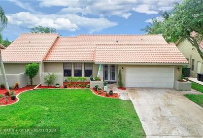 4925 Nw 59th Way Coral Springs FL 33067