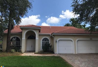 5767 NW 54th Pl Coral Springs FL 33067
