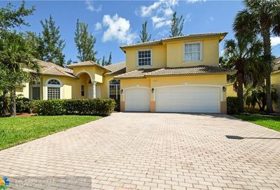 5011 Pinecreek Pl Coconut Creek FL 33073