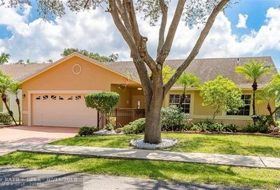 5820 NW 37th Ave Coconut Creek FL 33073