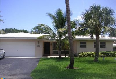 3530 NE 26th Ave Lighthouse Point FL 33064