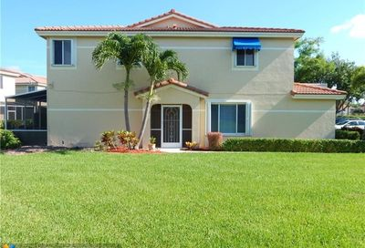671 Corona Way Deerfield Beach FL 33442