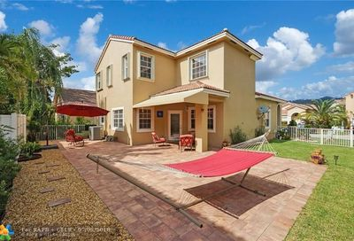 924 NW 126th Ter Coral Springs FL 33071