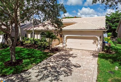 5492 NW 57th Way Coral Springs FL 33067