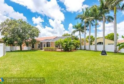 10937 NW 46th Dr Coral Springs FL 33076