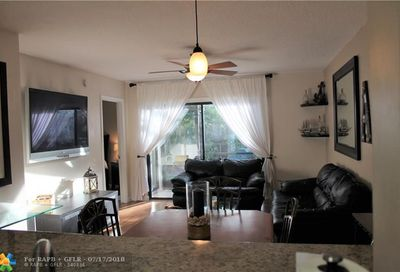2526 NW 89th Dr Coral Springs FL 33065
