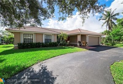 5311 N Springs Way Coral Springs FL 33076