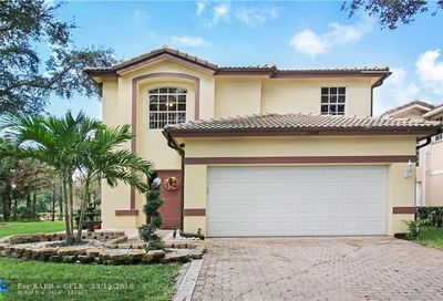 1118 NW 97th Dr Coral Springs FL 33071