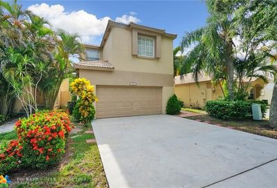 5813 Eagle Cay Ln Coconut Creek FL 33073