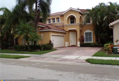 5899 NW 120th Ter Coral Springs FL 33076