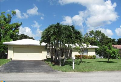 2757 NW 83rd Ter Coral Springs FL 33065