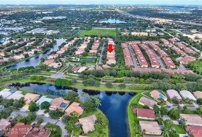 4962 Egret Ct Coconut Creek FL 33073