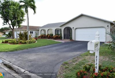 2726 NW 98th Ter Coral Springs FL 33065