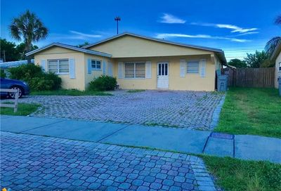 3734 NE 18th Ave Pompano Beach FL 33064