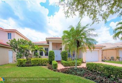 375 E Royal Cove Cir Davie FL 33325