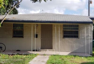 210 SW 2nd Ter Dania Beach FL 33004