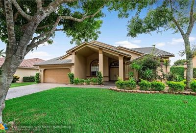 5441 NW 108th Way Coral Springs FL 33076