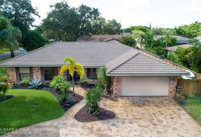 8106 NW 1st Coral Springs FL 33071