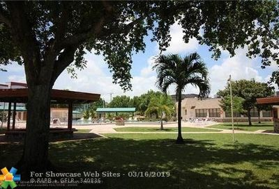 4401 NW 41 St Lauderdale Lakes FL 33319