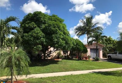 7811 NW 44th Ct Lauderhill FL 33351
